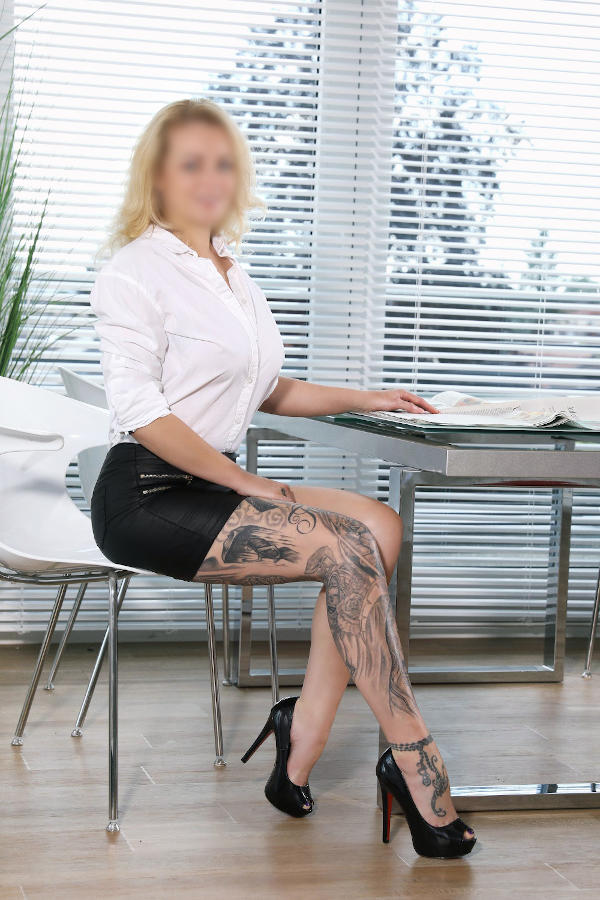 augsburg female escort